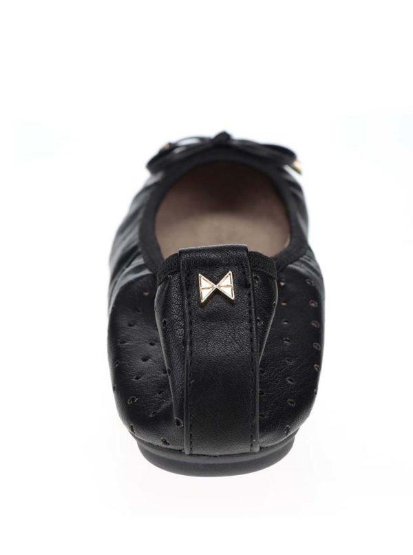 Čierne perforované baleríny s mašľou do kabelky Butterfly Twists Grace