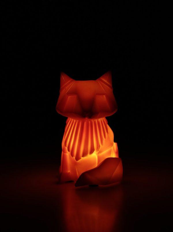 Oranžová LED lampička v tvare líšky Disaster Fox