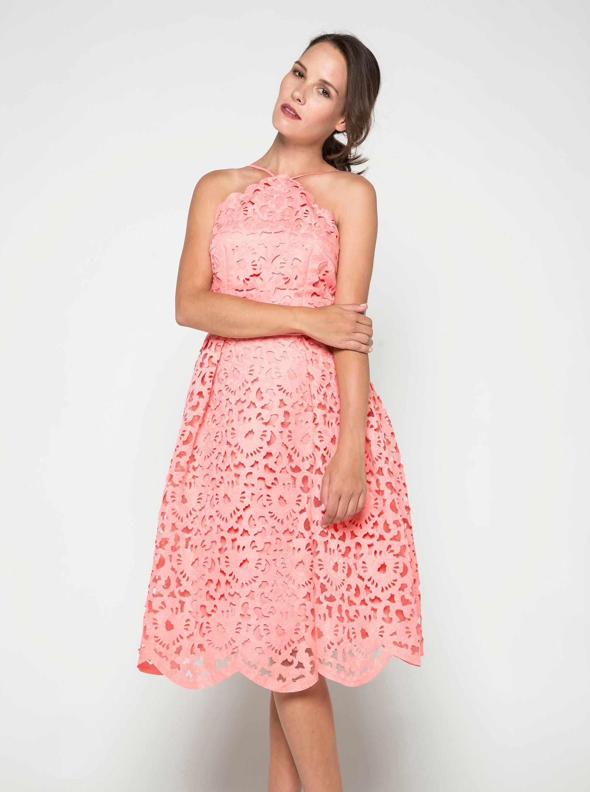 43a74e7cc0b2 Ružové čipkované šaty Chi Chi London