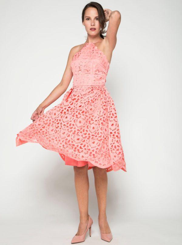 726b90d9c414 Ružové čipkované šaty Chi Chi London