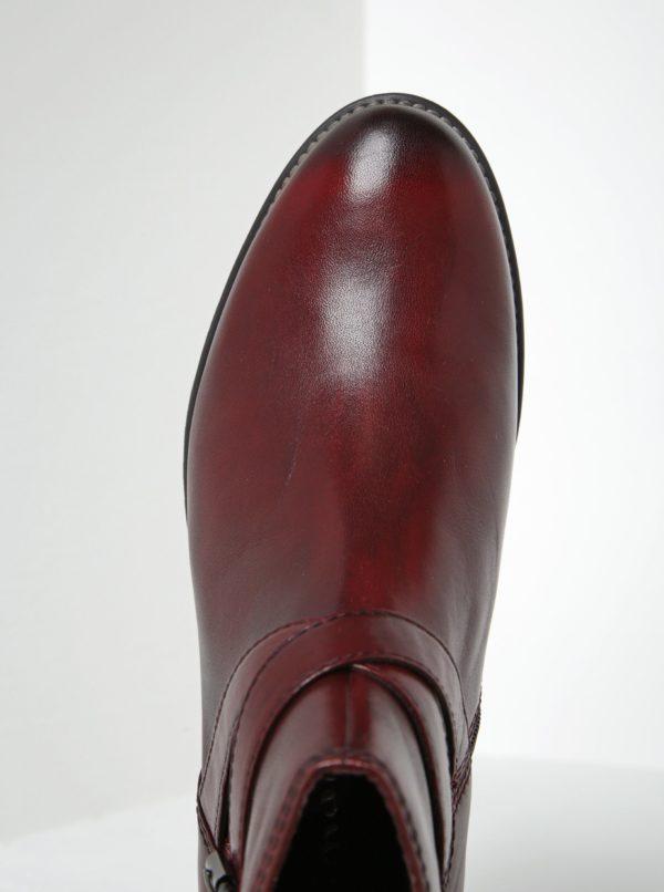 Vínové kožené členkové topánky s tenkým remienkom a prackou Tamaris