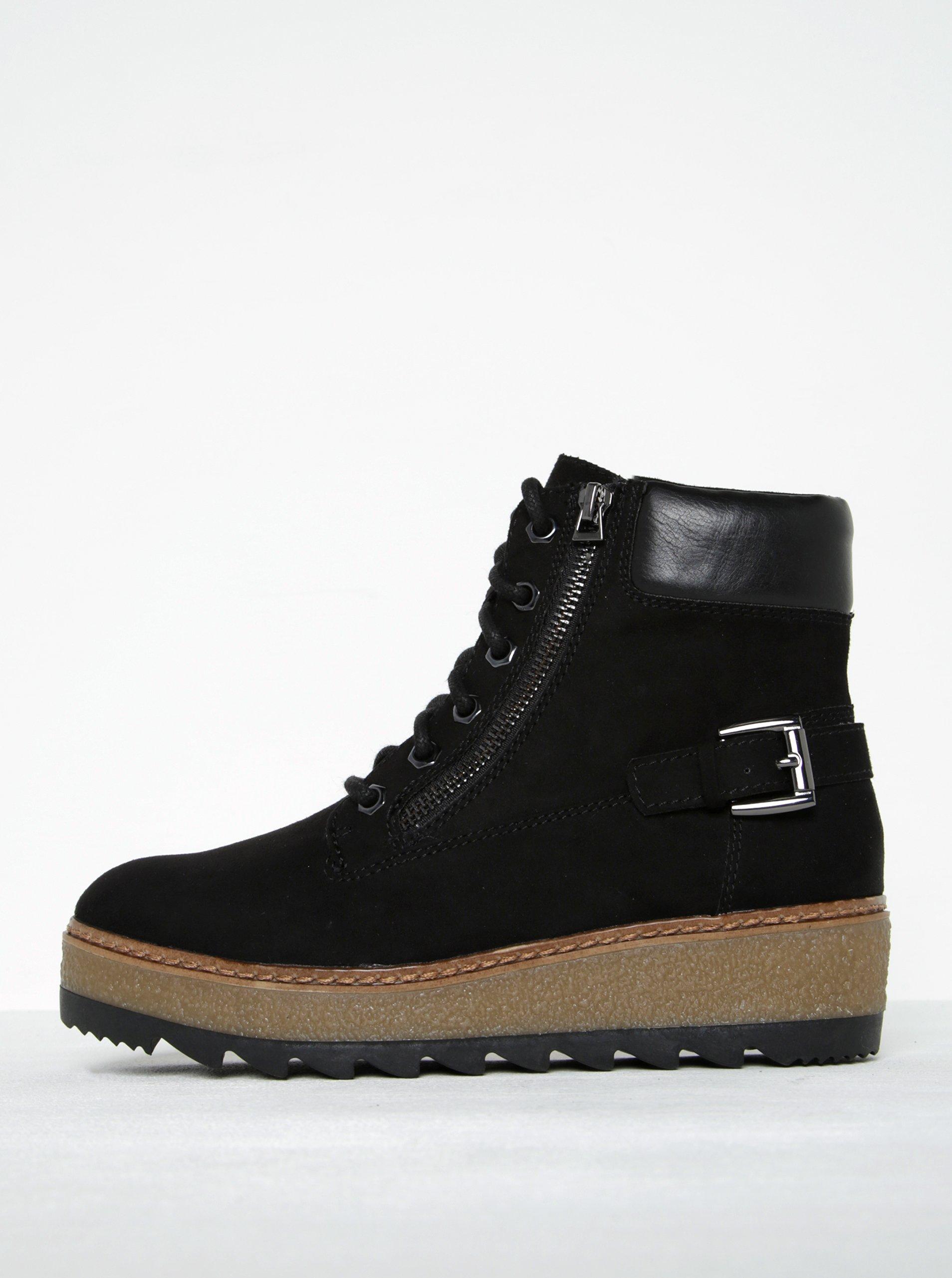 7d254445447e Čierne členkové topánky v semišovej úprave na platforme Tamaris ...