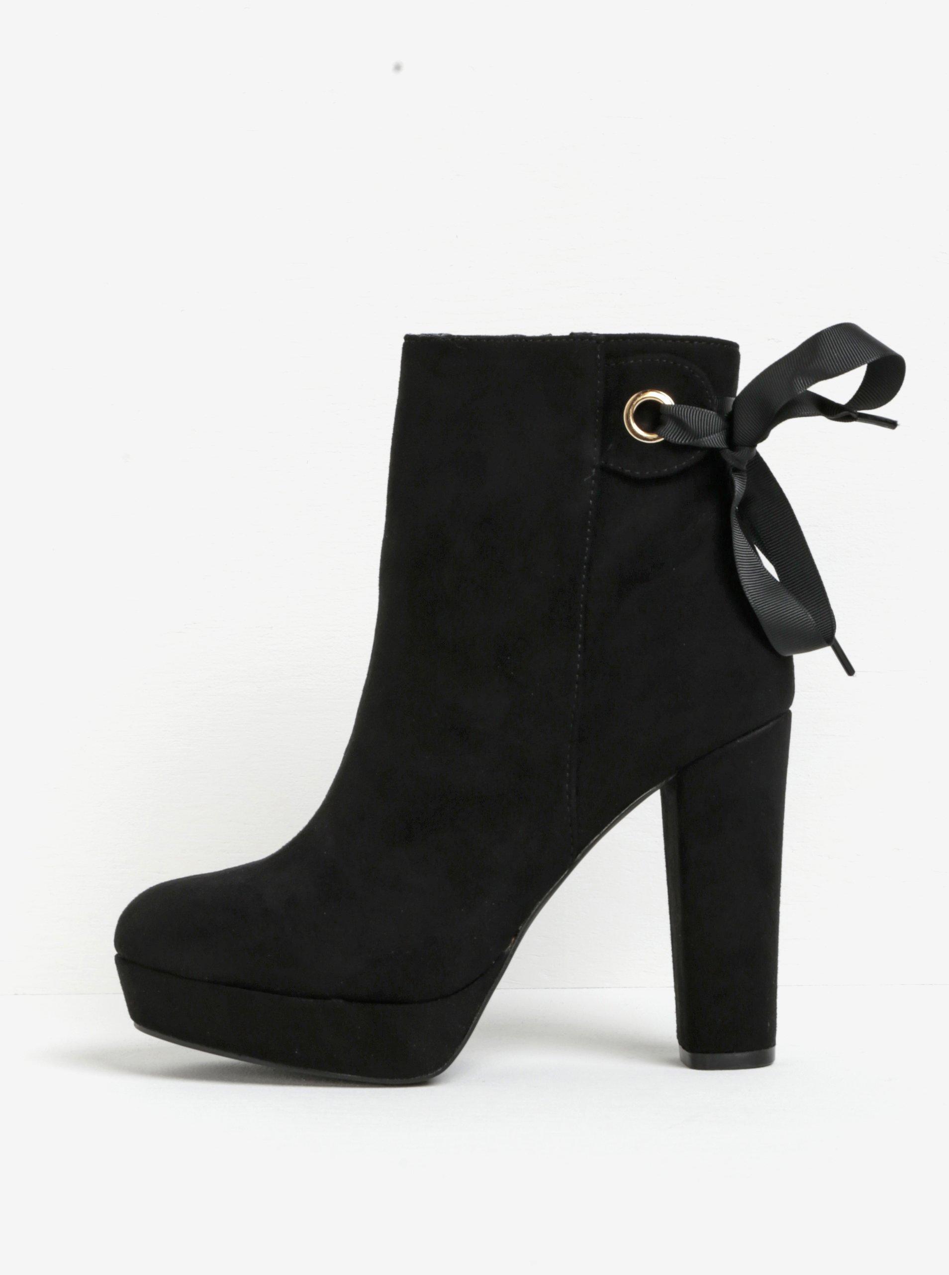 Čierne členkové topánky na podpätku a platforme v semišovej úprave Miss KG  Sheree cfcb56db1d6