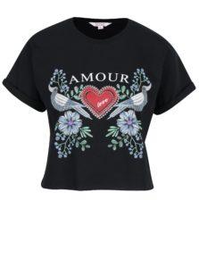 Čierne crop tričko s krátkym rukávom a potlačou Miss Selfridge