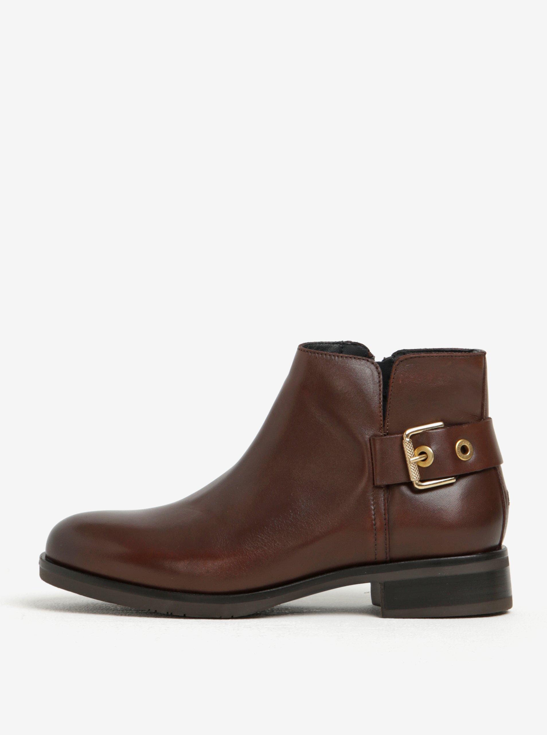 e4532727e5 Tmavohnedé dámske kožené členkové topánky s prackou Tommy Hilfiger ...