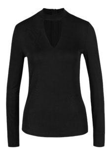 Čierne tričko s prestrihom v dekolte VERO MODA Jennie