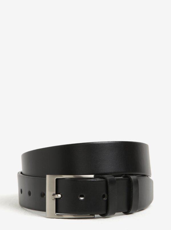 Čierny pánsky kožený opasok so striebornou prackou KARA