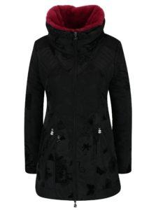 Čierny kabát s vysokým golierom a odnímateľnou umelou kožušinou Desigual Bratislava