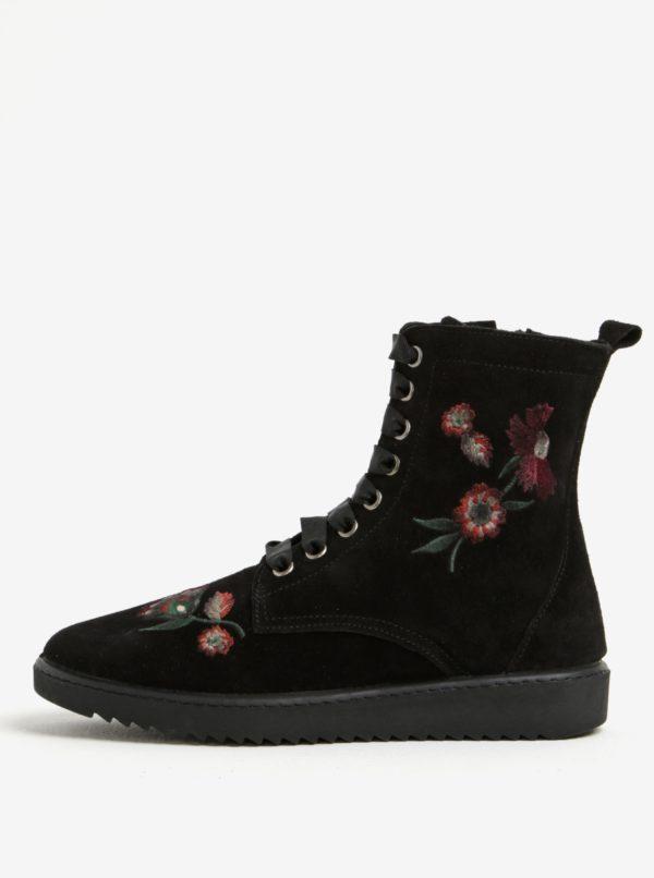 Čierne semišové členkové topánky s výšivkou OJJU