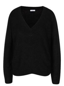 Čierny sveter s véčkovým výstrihom Jacqueline de Yong Drink