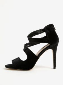 Čierne zamatové sandálky na ihlovom podpätku Miss Selfridge Clara