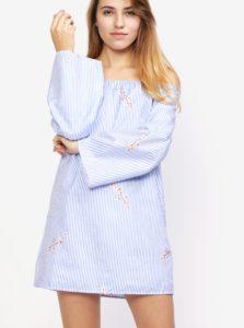Modro-biele pruhované šaty s odhalenými ramenami MISSGUIDED