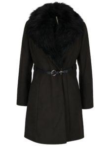 Tmavozelený kabát s opaskom a umelou kožušinou Dorothy Perkins
