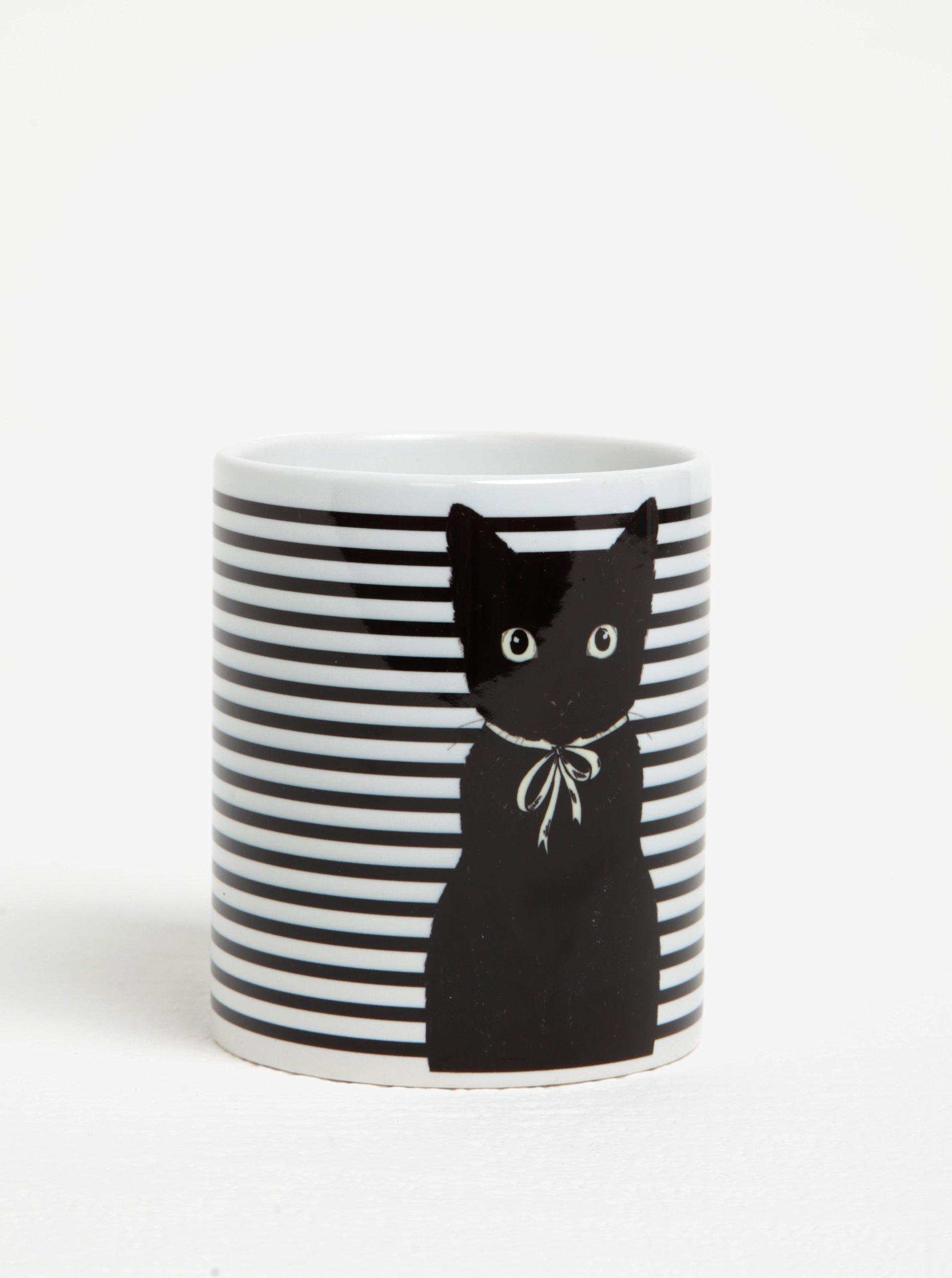 Čierna mačička šíri pic