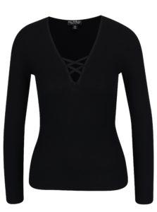 Čierne tričko s véčkovým výstrihom a šnurovaním Miss Selfridge