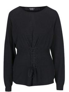 Čierny sveter so šnurovaním VERO MODA Oria