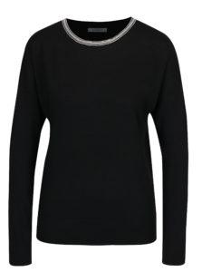 Čierny sveter s aplikáciou vo výstrihu Haily´s Shila