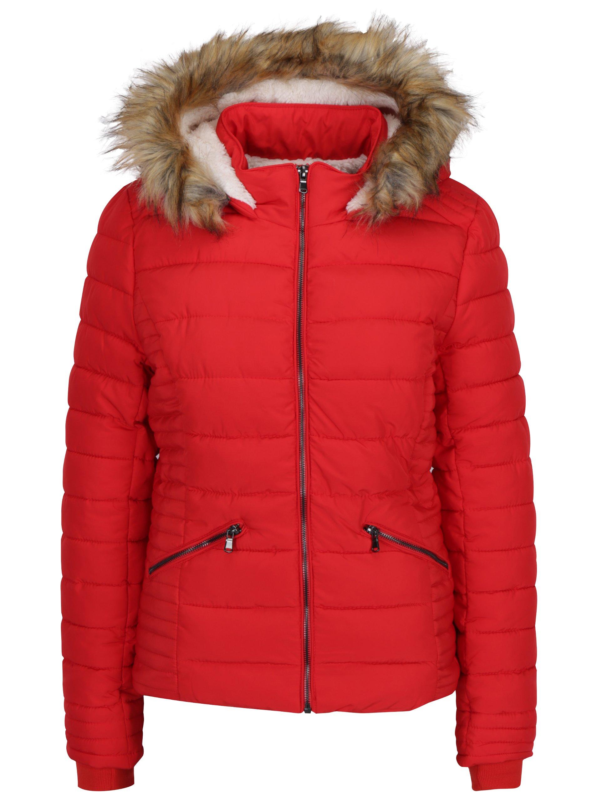 77a1f1cf5ab3 Červená prešívaná zimná bunda s umelou kožušinou TALLY WEiJL