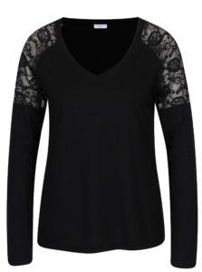 Čierne tričko s čipkou na ramenách Jacqueline de Yong Parvola