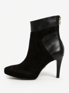 Čierne semišové členkové topánky na ihlovom podpätku Tamaris