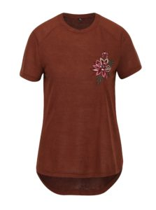 Hnedé tričko s výšivkou ONLY Helena