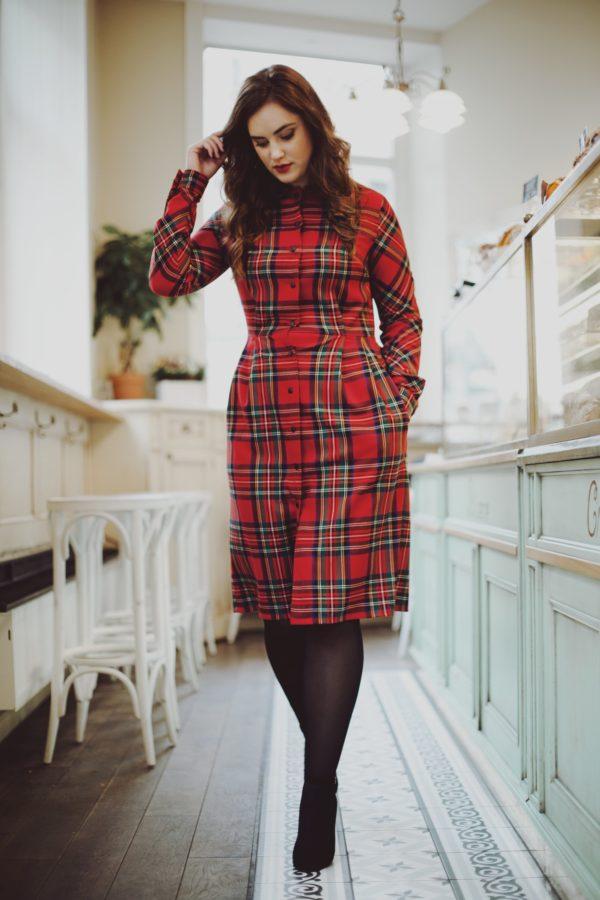 aa34aa7f87a1 Červené kárované šaty s golierom Bohemian Tailors Carola