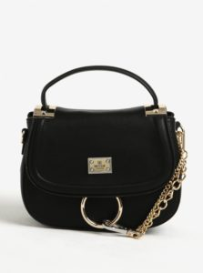 Čierna crossbody kabelka s retiazkou v zlatej farbe Bessie London