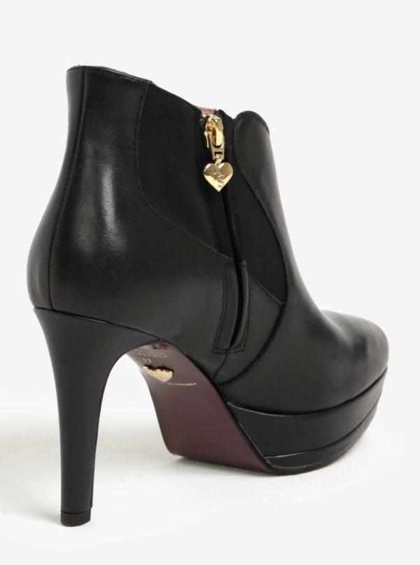 Čierne kožené členkové topánky na vysokom podpätku Tamaris