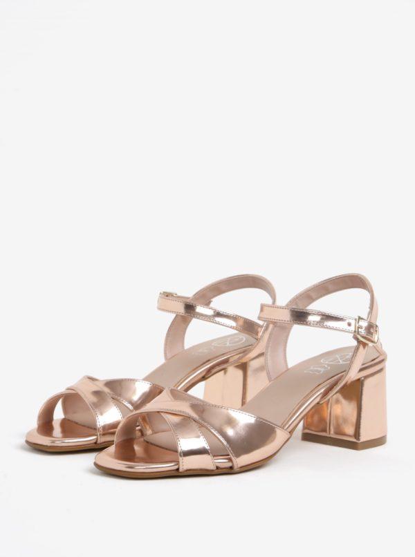 9bdd108440 Lesklé sandále v ružovozlatej farbe na širokom podpätku OJJU