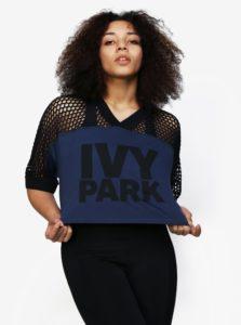 Čierno-modrý crop top s perforovaným rukávom Ivy Park