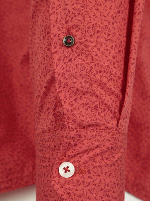 585f492f71d3 Červená pánska vzorovaná slim fit košeľa s.Oliver