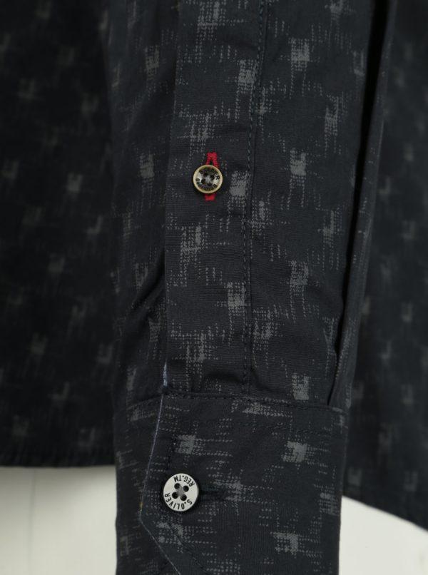 468151ce92d5 Tmavomodrá pánska vzorovaná slim fit košeľa s.Oliver