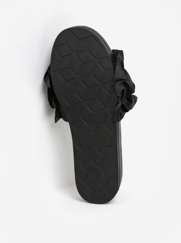 Čierne šľapky na platforme s volánmi Miss KG Ruffle
