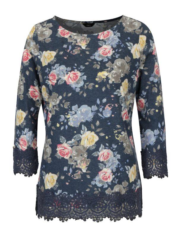 Tmavomodré kvetované tričko s čipkovanými lemami M&Co