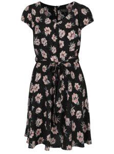 Čierne kvetované šaty s krátkym rukávom Billie & Blossom Curve
