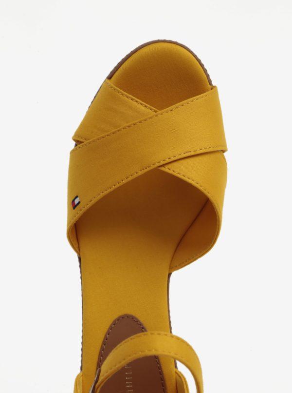 Žlté sandále na klinovom podpätku Tommy Hilfiger