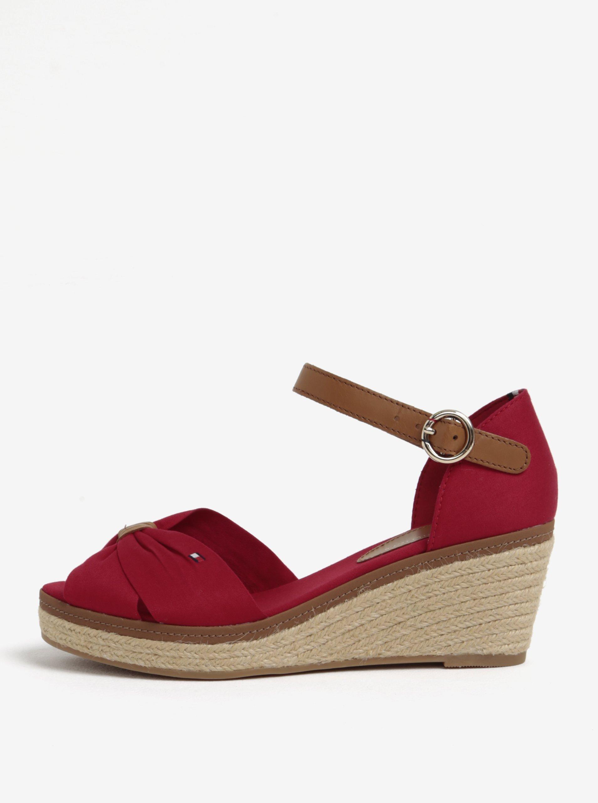 2d20d247a Červené sandále na klinovom podpätku Tommy Hilfiger | Moda.sk