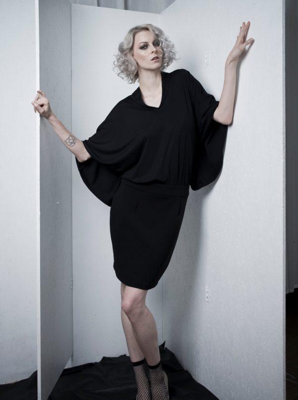 Čierne šaty s voľným topom s netopierími rukávmi La femme MiMi
