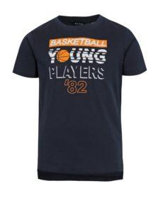 Tmavomodré chlapčenské tričko s predĺženým zadným dielom a potlačou Blue Seven
