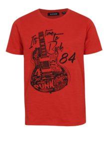 Červené chlapčenské tričko s okrúhlym spodným lemom a potlačou Blue Seven