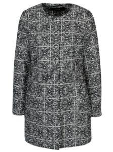 Tmavomodrý vzorovaný kabát VERO MODA Sylva