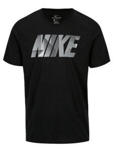 Čierne pánske funkčné tričko so sivou potlačou Nike