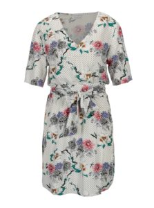 Biele kvetované šaty s véčkovým výstrihom Jacqueline de Yong Ann
