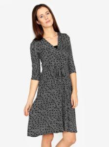 Bielo-čierne bodkované šaty s prekladaným výstrihom M&Co