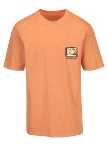 Oranžové pánske tričko s potlačou na chrbte Quiksilver