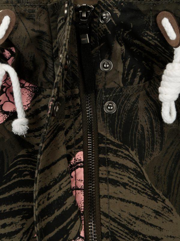 Tmavozelená vzorovaná blúzka ONLY Demi