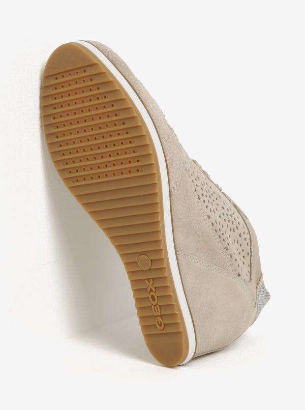 Béžové semišové perforované tenisky na klinovom podpätku Geox Illusion