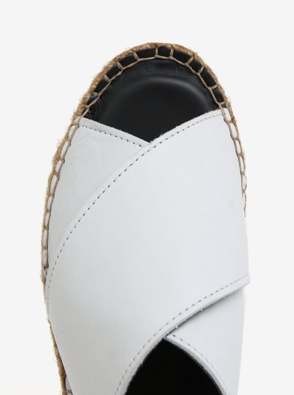 Biele dámske kožené šľapky na platforme Royal RepubliQ