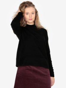 Čierny dámsky sveter so stojačikom QS by s.Oliver