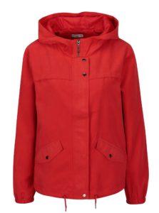 Červená bunda s kapucňou Jacqueline de Yong Shine